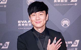 現身溫網觀賽 林俊傑玩自拍 多位明星入鏡