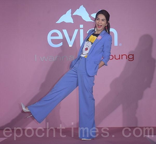 Ella陈嘉桦出席法国天然矿泉水evian I Wanna #Liveyoung Party