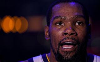 NBA巨星杜兰特顶薪加盟 篮网组成三巨头