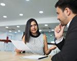 同事情緒陰晴不定 把握一個大原則相處不難