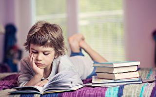 與孩子共同閱讀 豐富孩子詞彙 助益學業