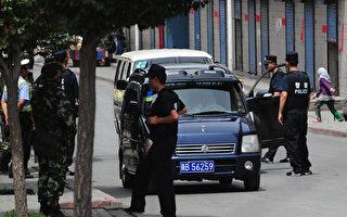 中共警察在入疆游客手机偷装监视软件