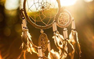 印第安人的捕夢網。(公有領域)