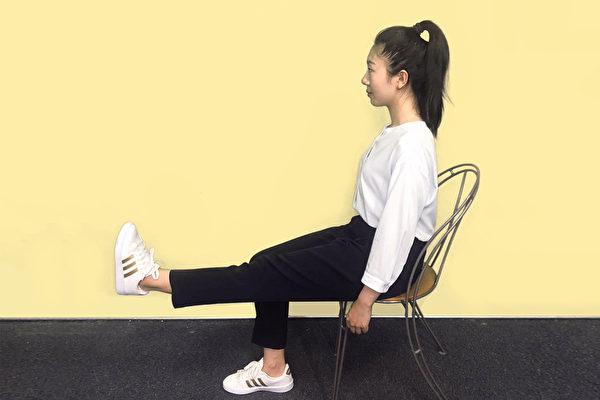常做3動作,預防膝關節退化。(大紀元)