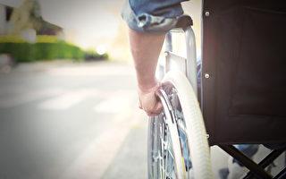 重症、癌症患者,内心多有个黑洞,可能压抑了巨大的伤痕或心结。(Shutterstock)