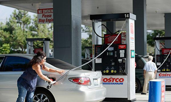 洛縣油價15天降14次 每加侖3.744美元
