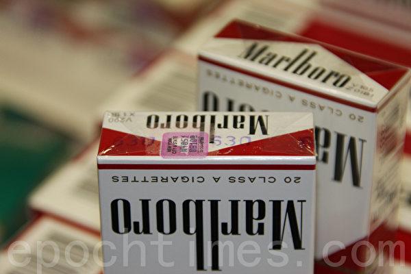 卑诗政府近日公布,在近期打击非法烟草的行动中,执法人员在短短三个月内缉获了大约160万支走私烟草。(大纪元)