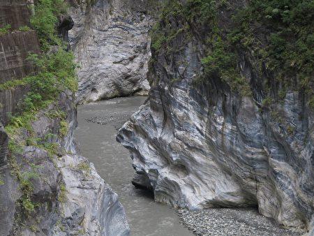 印地安酋長岩。