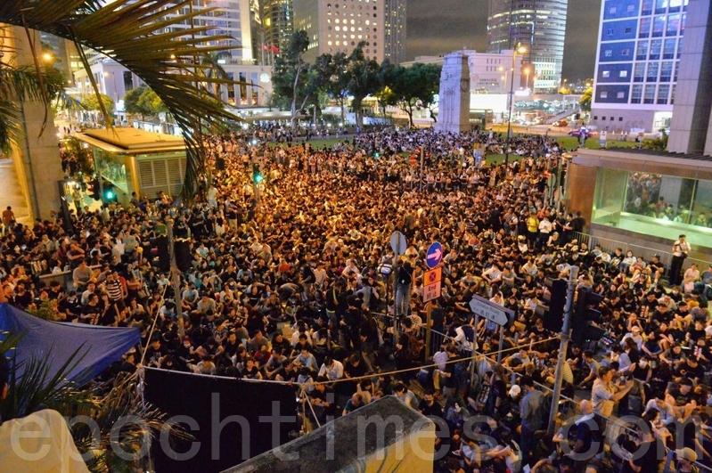 【8.16反送中組圖】香港學界6萬人聚滿遮打花園