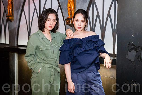 王詩安(右)跟孔藝弦(左)