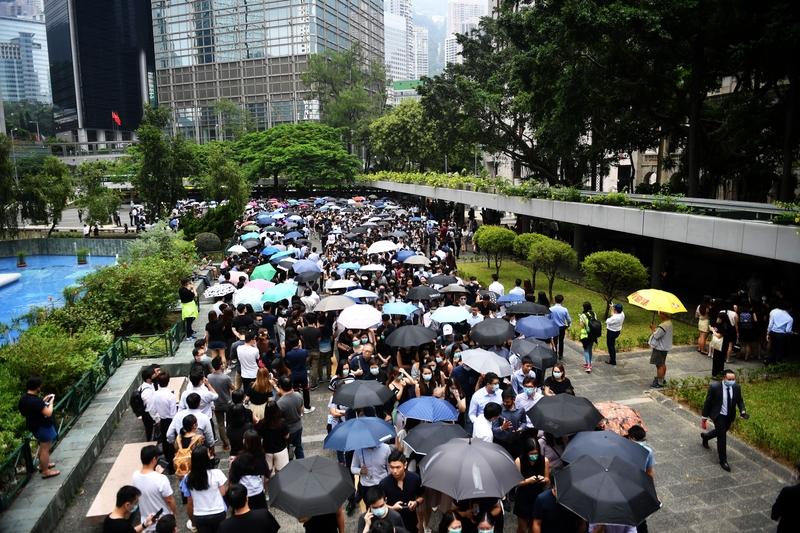 【8.23反送中組圖】會計界大遊行 共同守護香港