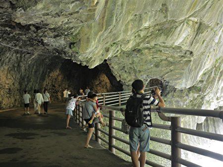 九曲洞原來的幽靜洞穴,重新整修後有了不同以往的新風貌。