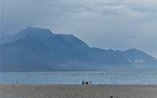 【東海岸進行曲-1】 聽濤踏浪 徜徉在一抹金黃稻