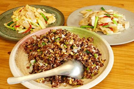台灣今年的雨水特別豐沛,竹筍更是鮮嫩甜美,民眾可以自己醃幾罐筍片備用。