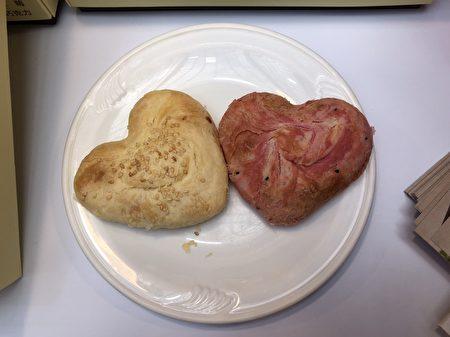柚心餅(左)、火心餅(右)。