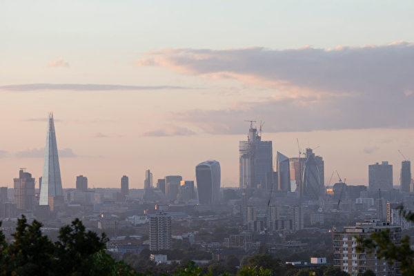 英国大范围停电1小时 逾63万户受影响