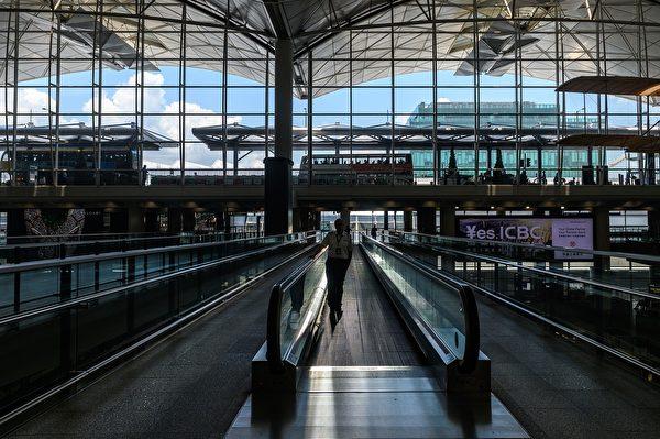 8月5日早上,香港国际机场。 (PHILIP FONG/AFP/Getty Images)