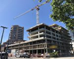 7月底,房地产开发商Anderson Square Holdings宣布,取消列市中心Alfa公寓楼盘的所有楼花合同,该楼盘成为烂尾楼。(陈璐/大纪元)