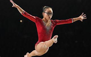 2017年10月在加拿大蒙特利爾舉行的體操世錦賽上,當時16歲的吳穎思榮獲個人全能冠軍,這是她的第一個世界冠軍。(Getty Image)