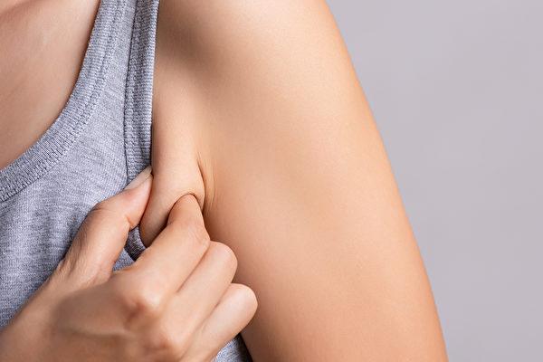 3個訓練動作,幫你消除腋下贅肉。(Shutterstock)
