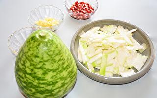 瓠瓜就是扁蒲、蒲瓜,是熱量低又有消水腫益處的瓜類蔬菜。(攝影:賴瑞)