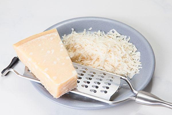 钙含量丰富的乳制品也是护齿的好选择。(Pixabay)