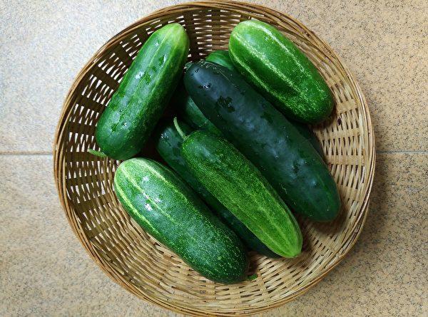 小黃瓜含有B族維生素如葉酸、維生素C、維生素K、β-胡蘿蔔素、葫蘆素等營養素。(Pixabay)