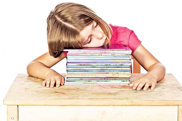 新法案試點:推遲學生上課時間  褒貶不一