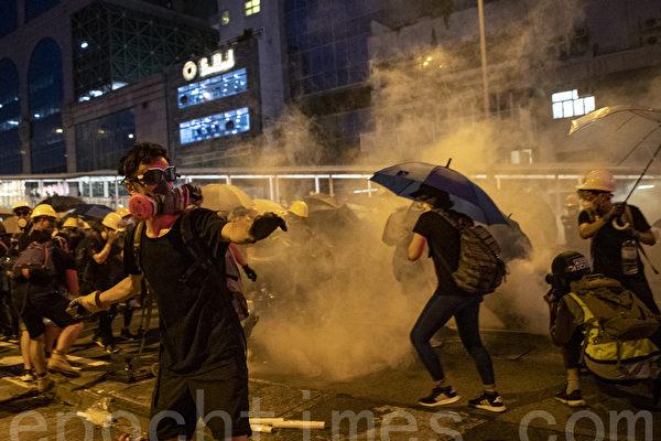 分析:中共若派兵镇压香港 反会自伤