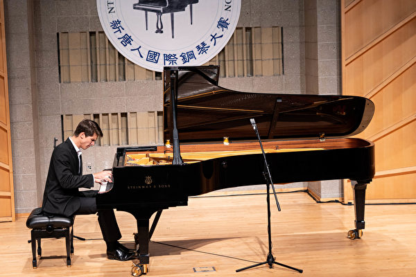 辛修禄:新唐人钢琴大赛绝对是国际级比赛