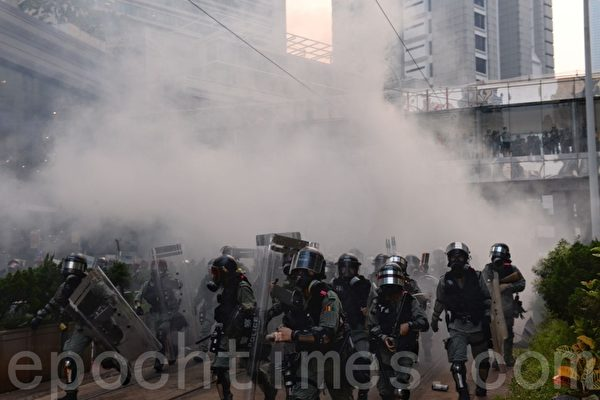 【新聞看點】中共潑污民主派 岑子傑批制度暴力
