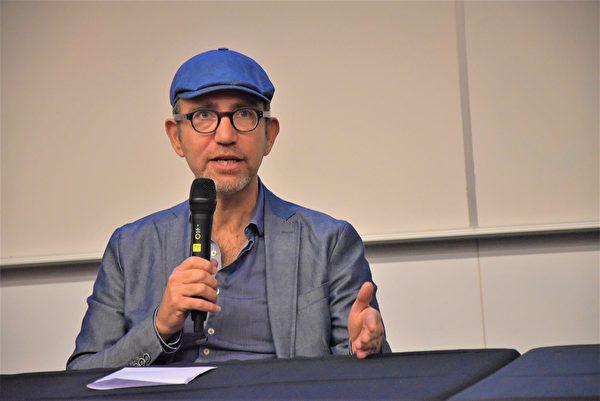《中國的藝見人士》紀錄片導演