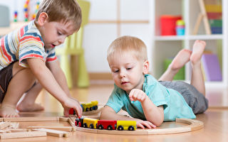 觀察孩子玩耍 引導他們學會生活