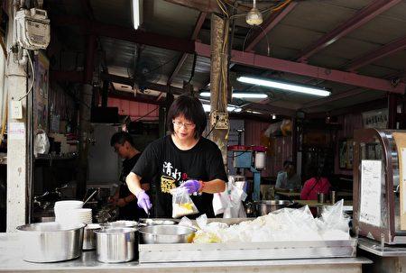 三代老店飘香一甲子——米苔目、烧炸粿