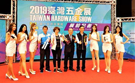 台灣手工具公會理事長黃信德表示,今年受到中美貿易戰影響,上半年手工具出口值已較去年同期成長3.85%,全年出口值將有機會超越去年。