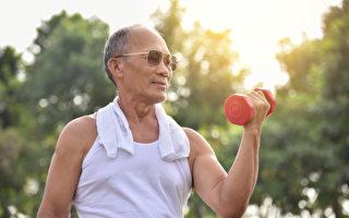 年長後容易肌肉流失,出現肌少症,如何維持肌肉量?(Shutterstock)