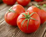 番茄与含铁食物搭配在一起,会阻碍人体对番茄红素的吸收。(Shutterstock)