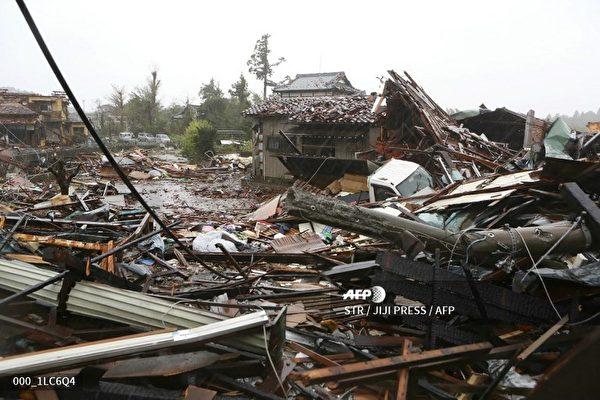 日本遭60年最強颱風襲擊 航班取消鐵路停運