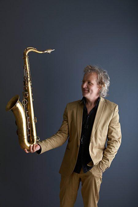 彼得樂赫Peter Lehel,是作曲家也是薩克斯風演奏家