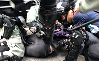 香港六区抗暴 全城如戒严 截查市民