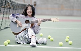 泰少女Gail拍新曲MV  搭小船漂流好愜意