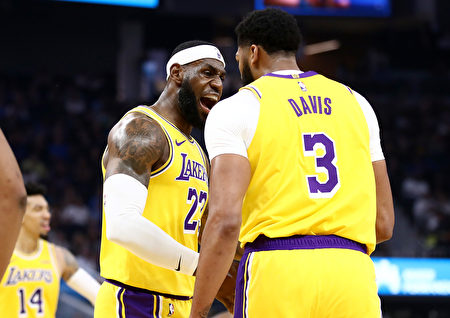 NBA季前賽,湖人客場大勝勇士
