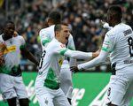 德甲联赛第7轮,门兴主场5:1大胜奥格斯堡
