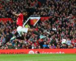 英超第9轮 曼联在主场1:1逼平利物浦