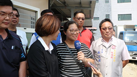 苦主翁太太表示,火災發生之後,感謝市府、議員、社會團體與許多人的幫助,讓我們有繼續走下去的勇氣。今天看到房子重建,感觸很多,謝謝大家的幫助。