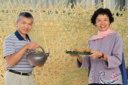 以龙罐的客家好客精神合作品茗,以奉茶为艺术桥梁。
