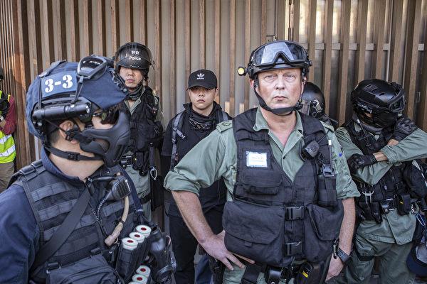 四中全会敏感时刻 港警指挥官高调激化暴力
