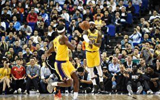 NBA上海赛如期举行 赛场座无虚席