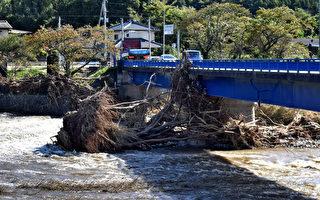 日本大暴雨致10死3失踪 3千人机场过夜