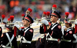 美管乐队瞬间走位排列图案 纪念登月50年